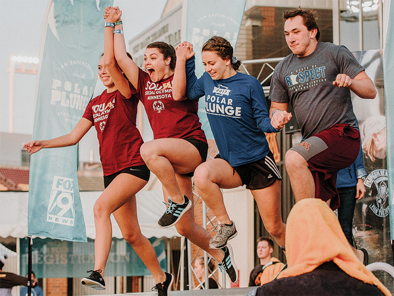 Four University of Minnesota students take the Gopher Plunge in 2017