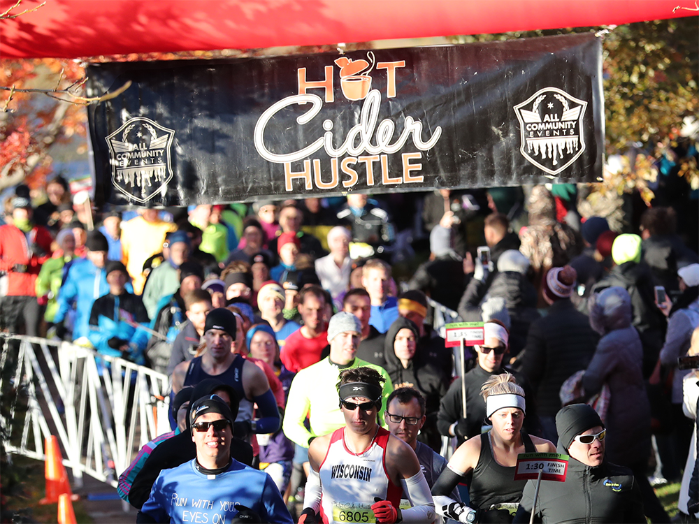Runners at the starting line at the 2018 Hot Cider Hustle